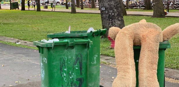 The emotional garbage bin